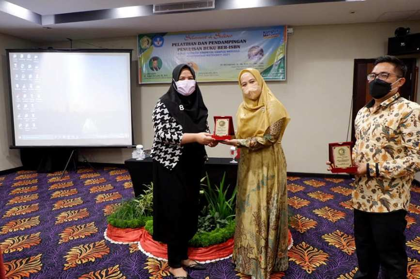 UMN Al Wasliyah Gelar Pelatihan Penulisan Buku Ber-ISBN